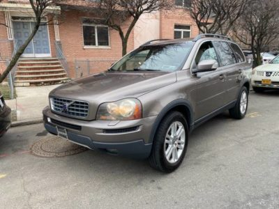 2009 Volvo XC90 AWD Fully loaded sunroof heated seats 4 new tires
