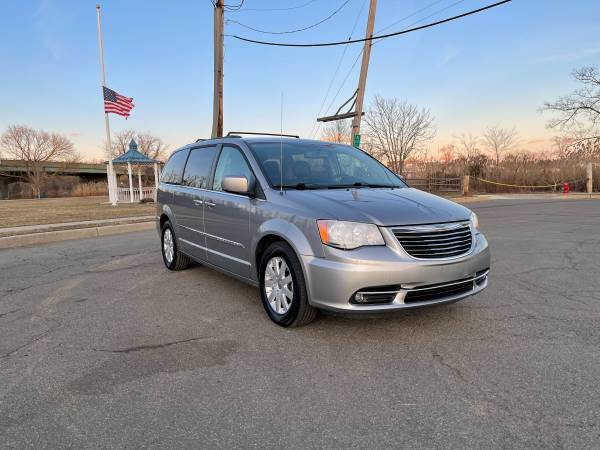 2016 Chrysler Town & Country Touring, кожа, резервная камера, DVD Play