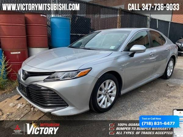 Toyota Camry LE 2018 года
