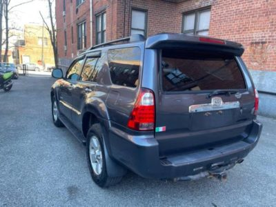 2006 Toyota 4RUNNER 6cyl 4wd.
