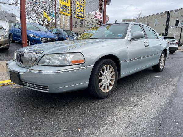 2007 Lincoln Town Car Signature 4dr седан