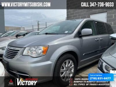 Chrysler Town & Country Touring 2016 года