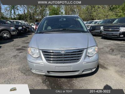 2006 Chrysler Town & Country Limited Минивэн 4D