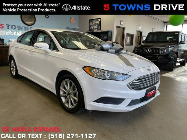 Ford Fusion SE FWD 2017 года