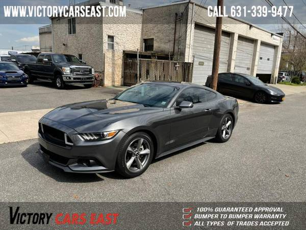Ford Mustang 2dr Fastback EcoBoost 2016 года
