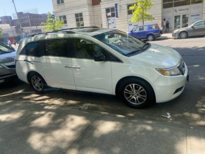 Honda oddyssey 2011 mint in n out low miles everthng perfect