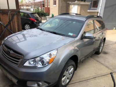 Subaru Outback Limited 2011 года