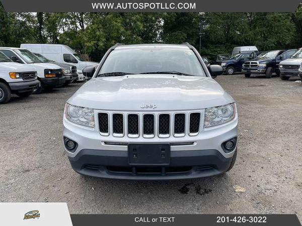 Jeep Compass Limited Sport Utility 4D 2011 года